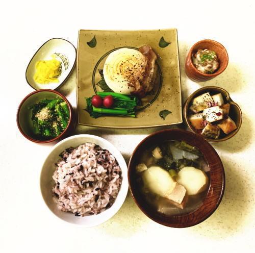 02 新玉ねぎステーキ&のらぼう菜胡麻和え.jpg