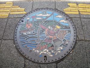 27  マンホール高松市.jpg
